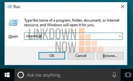 Nhấn phím Windows + R trên bàn phím và nhập cleanmgr